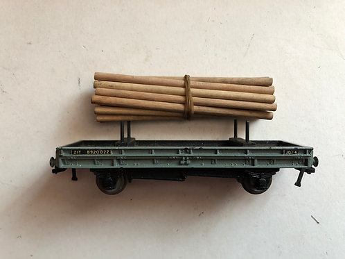 32051 D1 BOGIE BOLSTER WAGON WITH WOOD LOAD