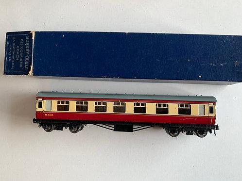 32017 D12 CORRIDOR COACH L.M.R. 1st/2nd M4183 - BOXED 12/1952