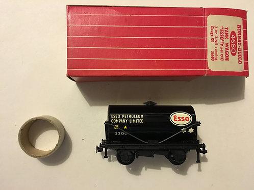 4680 TANK WAGON ESSO (metal couplings)
