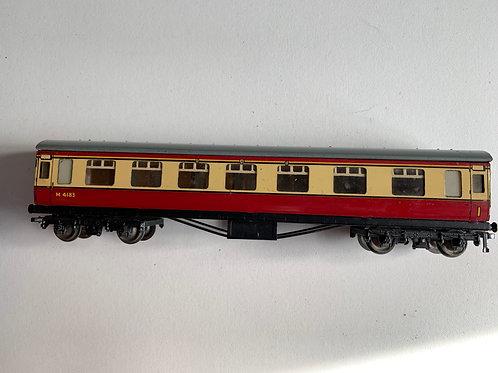 32017 D12 CORRIDOR COACH L.M.R. 1st/2nd M4183 - 3-RAIL