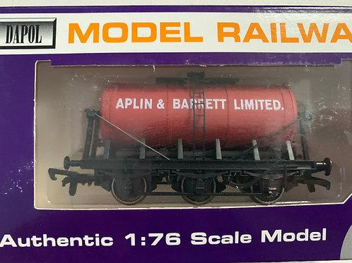 B673 - APLIN & BARRETT 6 WHEEL TANKER