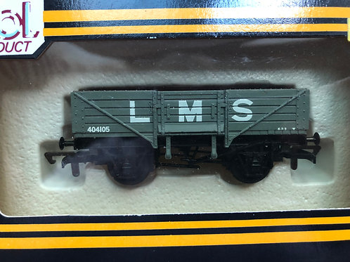 B42 - LMS 5 PLANKED WAGON GREY