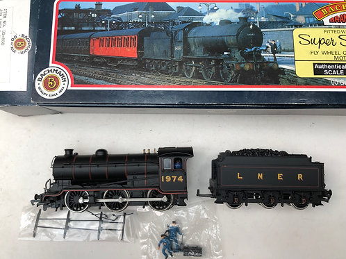 31-850 J39 1974 L.N.E.R. LINED BLACK LOCO & TENDER