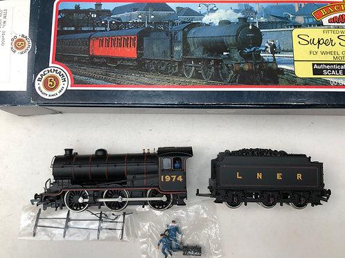 31-850 J39 1974 L.N.E.R. LINED BLACK LOCO & TENDER