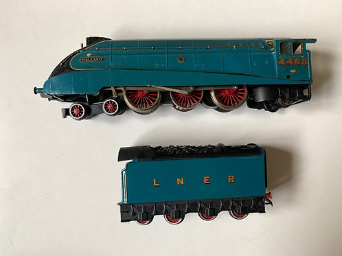 2-RAIL BR BLUE A4 MALLARD LOCOMOTIVE 4468 & TENDER