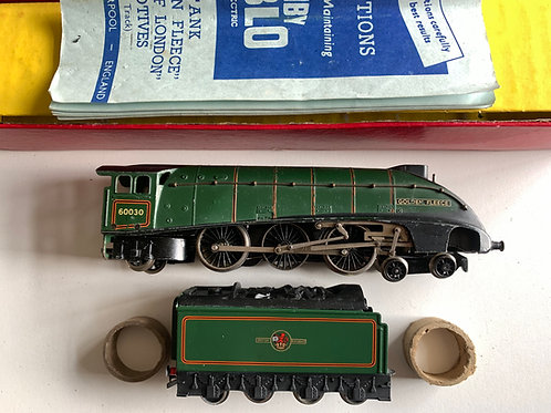 2211 2-RAIL BR GREEN A4 CLASS GOLDEN FLEECE LOCOMOTIVE 60030 & TENDE