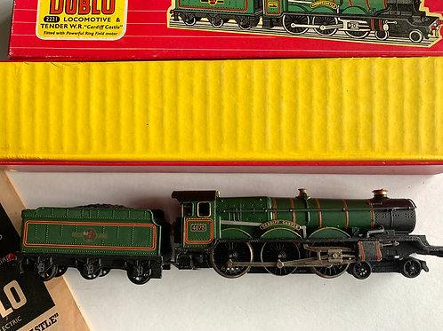 2221 CARDIFF CASTLE LOCOMOTIVE & TENDER - BOXED