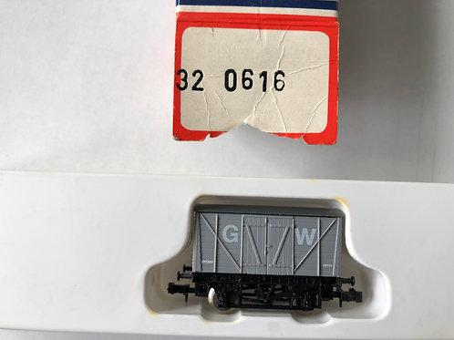 320616 GW VENT VAN