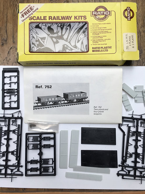 RATIO 752 LNWR 4 PLANK AND 2 PLANK OPEN GOODS WAGONS