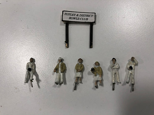 GREEN BOWLERS x 6 - WHITE METAL / LEAD FIGURES
