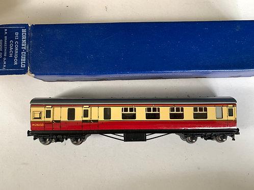 32018 D12 CORRIDOR COACH L.M.R. BRAKE / 3RD M26133 BOXED 6/1953