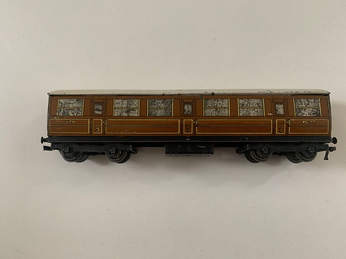 32012 LNER TEAK BRAKE 3RD CLASS COACH 45401