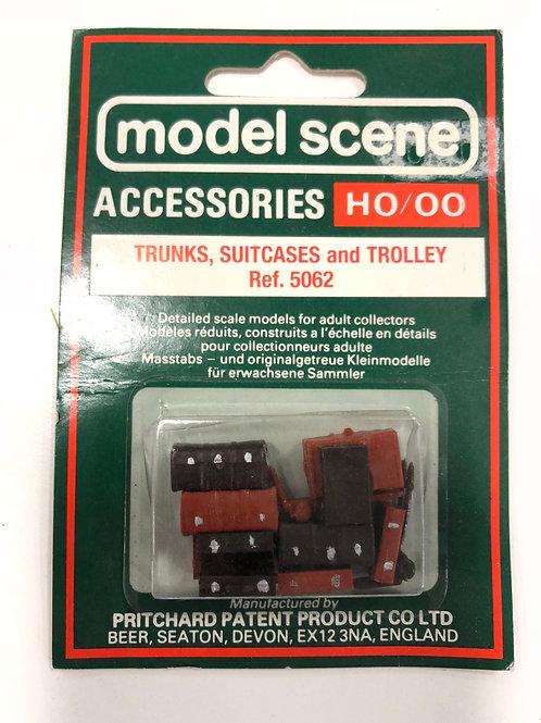 MODEL SCENE 5062 TRUNKS, SUITCASES & TROLLEY