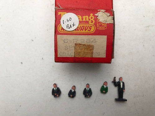 R.284 SET OF COACH FIGURES (5) BOXED