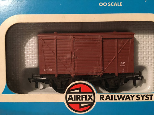54300-4 GMR 12T VENTILATED BOX WAGON BR