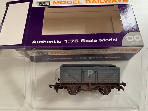 7 PLANK WAGON WIGAN COAL - EX PO OVERPAINTED 'P' FOR BR USE - LIMITED EDITION
