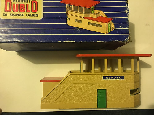 32160 D1 SIGNAL CABIN BOXED
