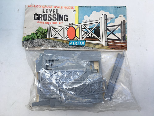 4022 LEVEL CROSSING