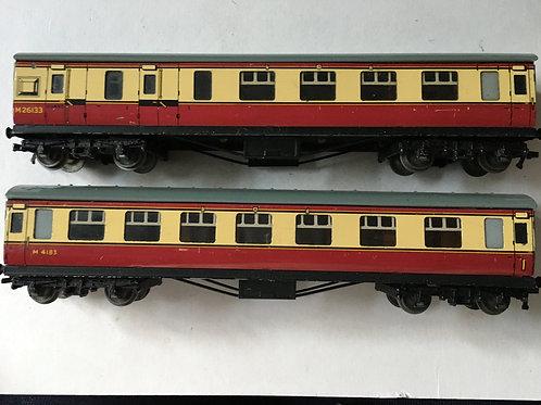 32017 & 32018 D12 CORRIDOR COACHES L.M.R. M4183 & M26133