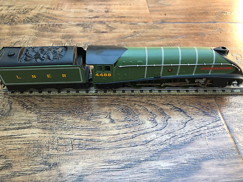 3-RAIL LNER A4 UNION OF SOUTH AFRICA 4488 LOCOMOTIVE & TENDER