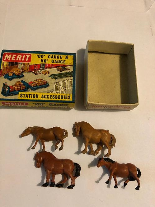 MERIT 5105 HORSES & PONIES (4)