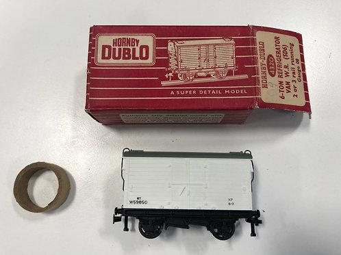 4320 6 TON REFRIGERATOR VAN W.R. (SD6) - BOXED - (metal couplings)