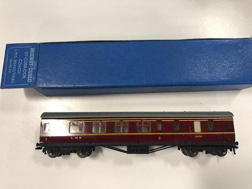32016 D3 CORRIDOR COACH L.M.S. BRAKE/3rd 26133 BOXED 4/1951
