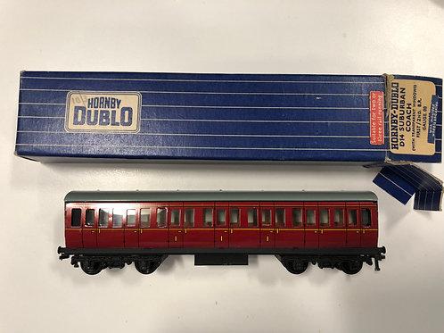 32092 D14 B.R. MAROON SUBURBAN COACH 1ST / 3RD - BOXED - 2 OR 3 RAIL