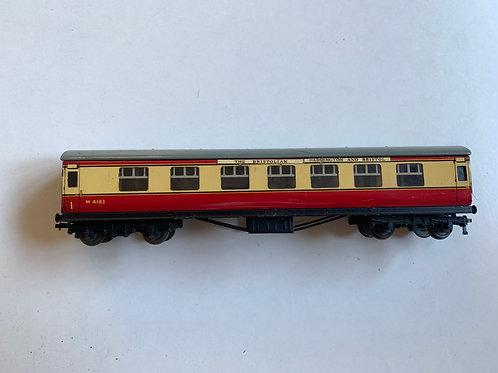 32017 D12 CORRIDOR COACH L.M.R. 1st/2nd M4183 - THE BRISTOLIAN - 3-RAIL