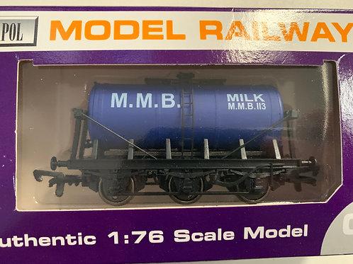 B719 - MMB MILK 6 WHEEL TANKER