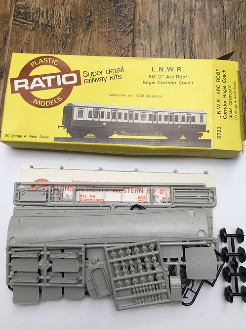 RATIO 5733 L.N.W.R. ARC ROOF CORRIDOR BOGIE COACH BRAKE COMPOSITE