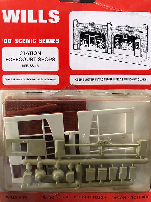 WILLS FINECAST - SS 18 STATION FORECOURT SHOPS