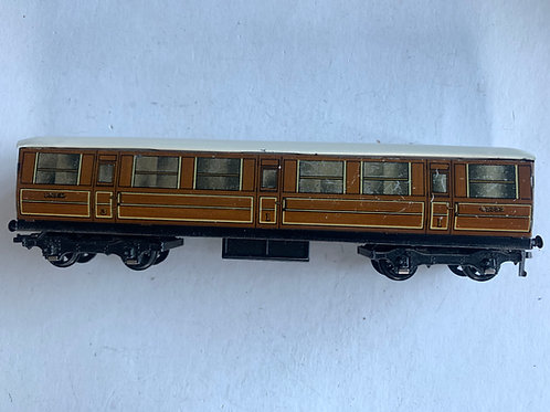 32010 LNER TEAK 1ST / 3RD COACH 42759 - 2 OR 3 RAIL