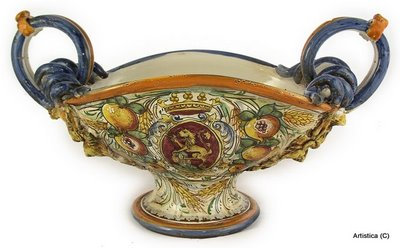 Oval centerpiece with serpentine hanlde cm 41 x 25