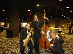 Swingaroux Trio