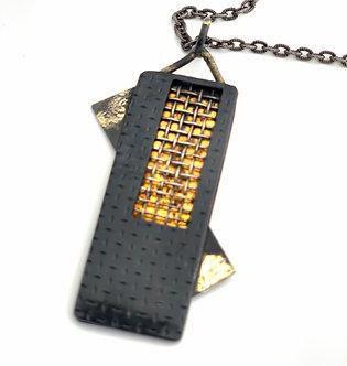 confession pendant