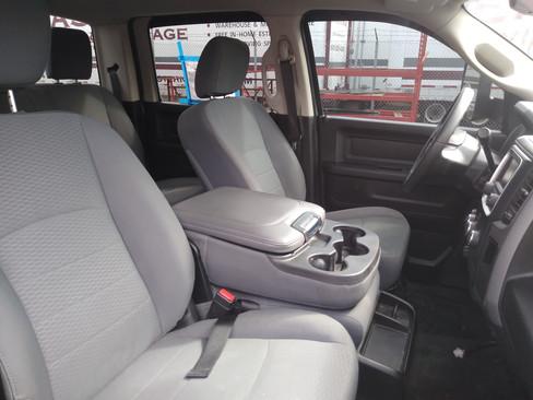 Interior - Front Seats