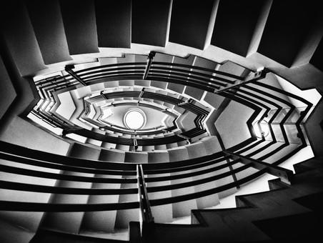 escalier_centre_tchèque_(1_sur_1).jpg