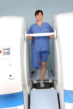 Standing knee scan