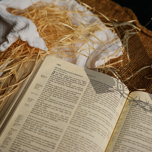 bible-1805790_1920 editado.jpg
