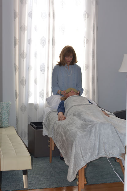 Reiki nea me, Reiki healing, Reiki energy healer, meditations, meditations near me, intuitive therapy, intuitive therapist