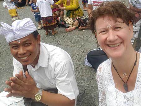 Als Westerling Bij Een Balinese Ceremonie