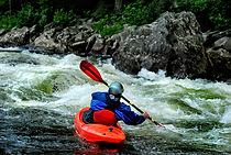 eau vive Kayaker