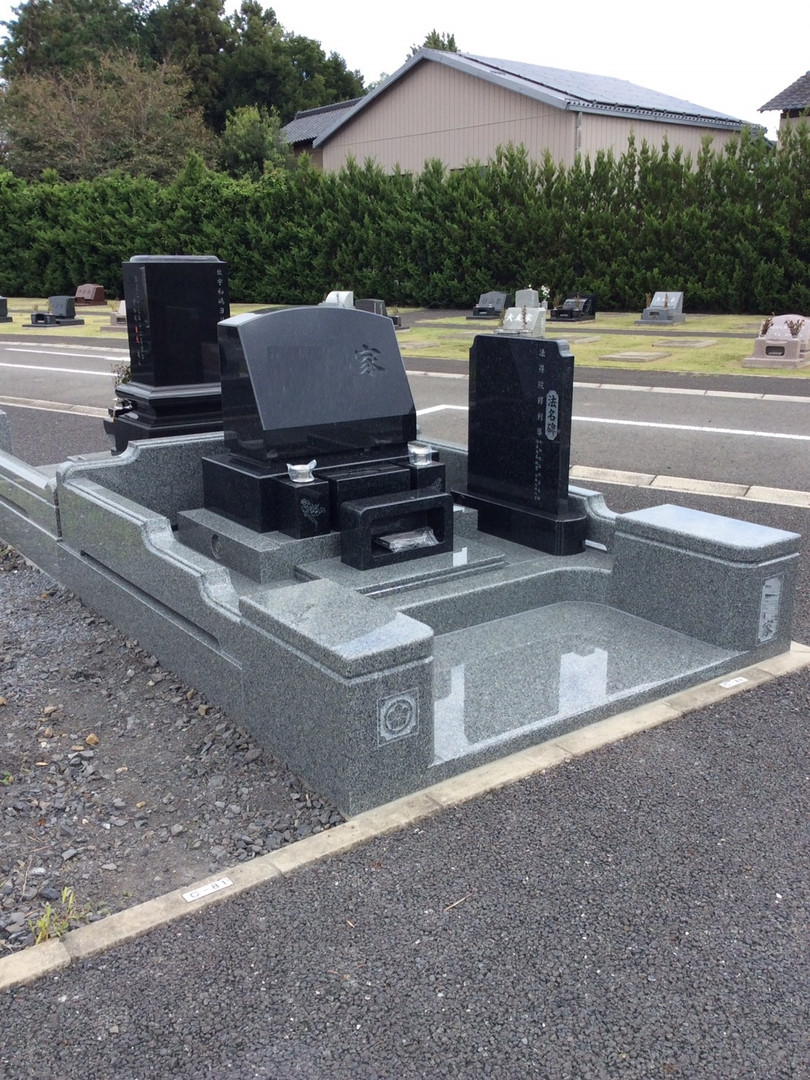 洋型墓石 (3).jpg