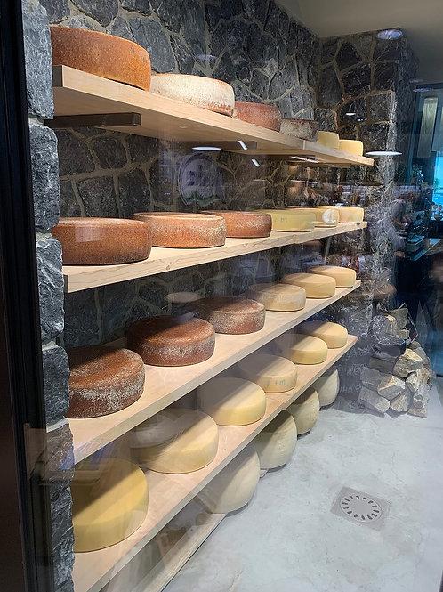 Доставка сыров из Австрии