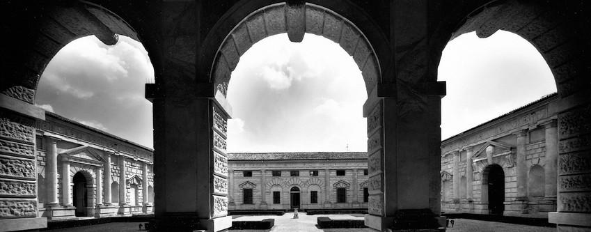 Palazzo Te il palazzo dello svago e del piacere, capolavoro del Rinascimento progettato da Giulio Romano