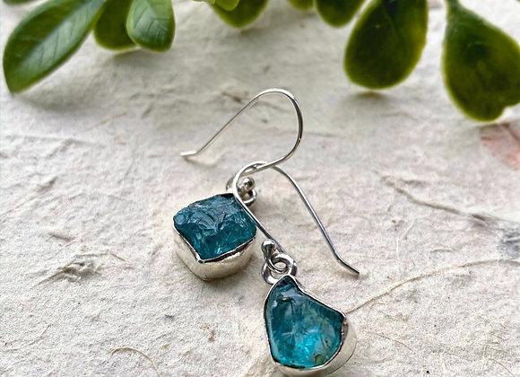 Apatite rough cut drop silver earrings