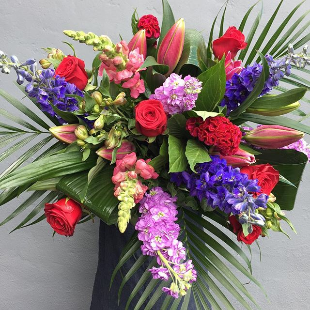 Who said romance is dead_ Certainly not today featuring #britishflowers #melaniesfloristcastleford