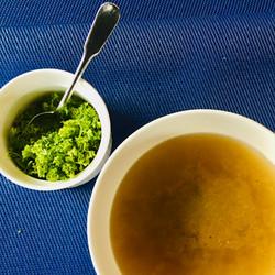 Gemüsebrühe enthält nötige Vitalstoffe