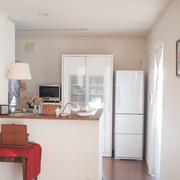 白を基調とした室内。落ち着いた雰囲気をつくっています。
